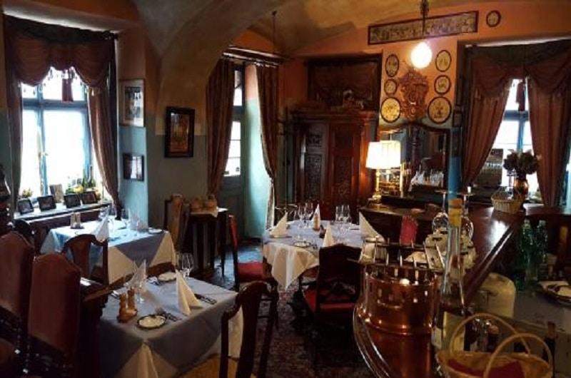 DINING IN PRAGUE 0
